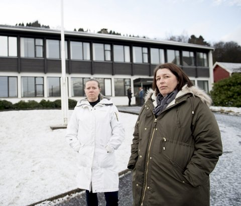 Inger Lise Venheim (t.v.) og Anna Søgnesand ønsker ikke å få det nye tilbudet til byens rusavhengige etablert her ved tidligere Garnes videregående skole.