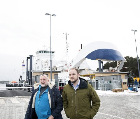 Fylkesleder Gustav Bahus (t.v.) og samferdselsminister Jon Georg Dale har i det lengste argumentert for fergefri  E39 og bro over Bjørnefjorden, men kan likevel måtte nøye seg med utslippsfrie ferger til og fra Halhjem.