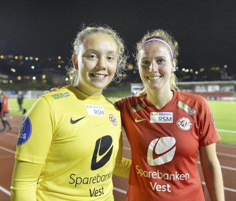 Andrea Kvamme (t.v.) debuterte for Arna-Bjørnar i 2-0-seieren mot KIL/Hemne i cupen. Begge målene ble scoret av nederlandske Pia Rijsdijk (t.h.).