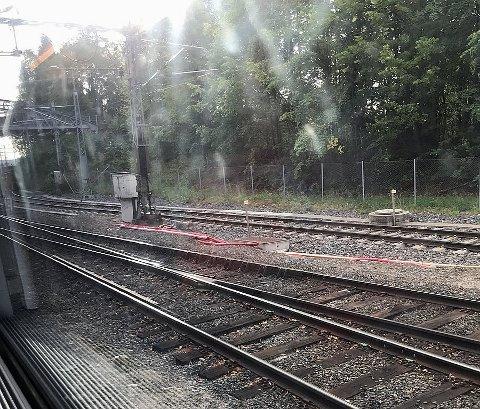 BOM STILLE: Toget mellom Gulskogen og Drammen ble forsinket torsdag grunnet en såkalt passhendelse.