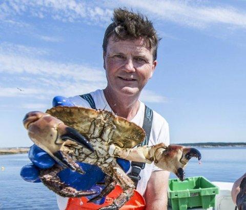 Knut Aage Gundersen forteller at han snart er i gang med krabbeoppdrett igjen.