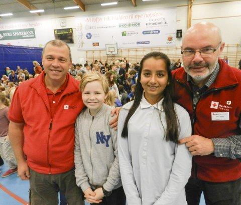 HJELPER FLYKTNINGENE: Fra venstre ser vi Bernard Kilde, Simon Myklevold Bøhn, Sinthy Sofie Mosbye og Tore Trollbu.