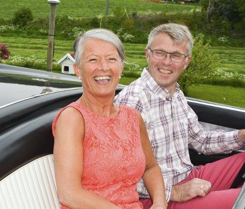 DRØMMEBIL: Anne Grethe og Sven Tore Gangnes var på ferie i New York og endte opp med å kjøpe bil i Chicago. Begge foto: Anne Enger Mjåland