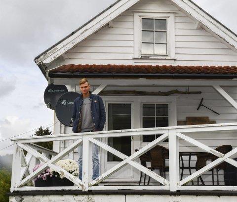 Sjølv om huset ikkje er meir enn cirka 60 kvadratmeter, ber det preg av å vera nærmare 100 år gammalt. Håvard har store planar og nok å henga fingrane i når han tar fatt på prosjektet. Men først må han spara seg opp igjen.