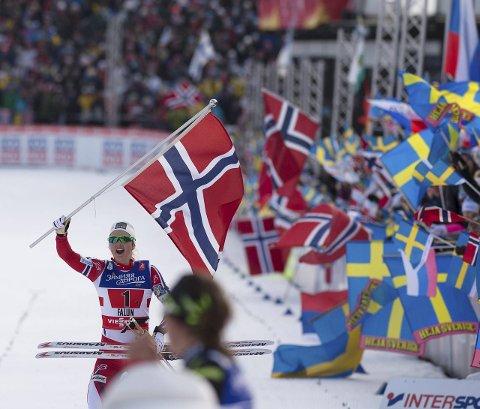 Gulljenta: Ingvild Flugstad Østberg tok VM-gull sammen med Maiken Caspersen Falla på lagsprinten i VM i Falun. Foto: Henning Gulbrandsen