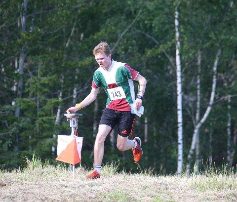 SPESIELT: Plutselig kunne Sindre R. Holt delta på landets største o-løp i egen kommune og med bare kjente arrangører. Helt i toppen var også Hedrum OL-utøveren.