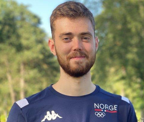 DEBUTERTE I OL: Jon-Hermann Hegg tok EM-gull i rifle i mai. Søndag morgon debuterte han med ein 22. plass i OL i Tokyo.