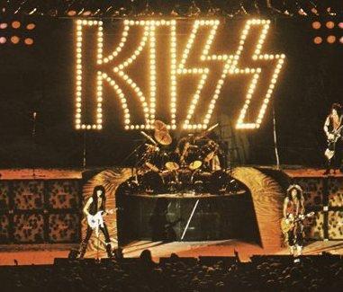 KISS: Jeg husker at det gjorde megainntrykk å se mine fire helter. På ekte.