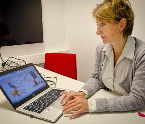 Bruk privat konto: sier Britt Øvretvedt, banksjef for DNB i Follo. Foto: Åsmund løvdal