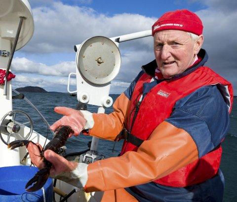 Hobbyfisker Roy Jensen gleder seg til å arrangere hummerlag for venner og familie.  Hittil har han fått 22 hummer i sine 10 teiner. Den største er på 1,5 kilo. På Storegrunn står det 150 til 200 teiner, det er den største yngleplassen for hummerne i Oslofjorden, mener Jensen.