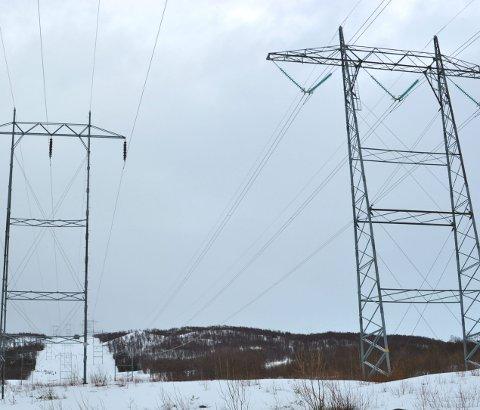 FERDIG: 420 KV-ledningen mellom Ofoten o Kvandal er ferdig. Det betyr større forsyningssikkerhet for strømkundene. Arkivfoto.