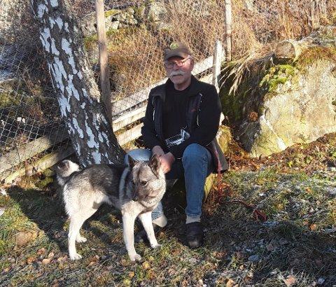 Mangeårig elgjeger Ingolf Riseng er mener det ikke lenger er er mulig å se skikkelig stor elg i Øyer lenger.  Han mener lover og regler gjør at stammen man sitter igjen med er elendig.