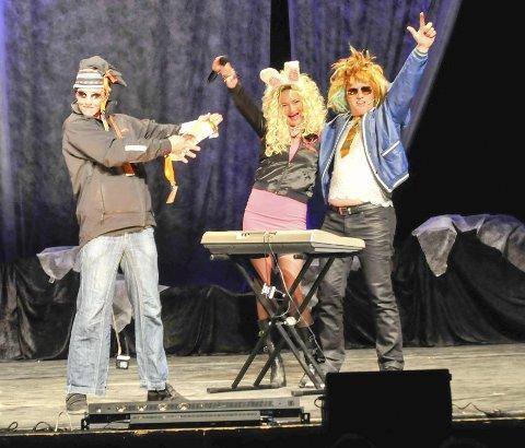 Rockerefs: Midnattsrocken fikk unngjelde fra BLØGG. Her er det Stig Tore Grøtta, Anne Wenche Olsen og Tor Erling Nilsen som gjør det gøy! Alle Foto: Tor Kjetil Kristoffersen