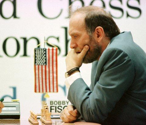Litt eldre utgave: Bobby Fischer fikk sitt gjennombrudd som sjakkspiller som 13-åring i 1956. Her er en litt eldre utgave av Fischer. Foto: NTB scanpix