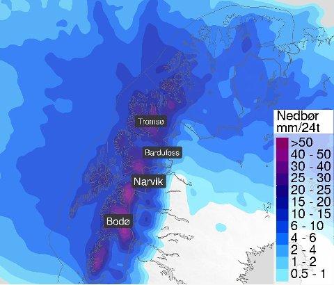 MYE REGN: Denne illustrasjonen viser forventet nedbør i Nord-Norge søndag.