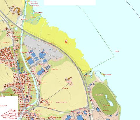 ØNSKER OPSJON PÅ KJØP: Eiendommen Nye Veier ønsker opsjon på er markert i gult, og ligger mellom nåværende E6-trasé og Mjøsa.