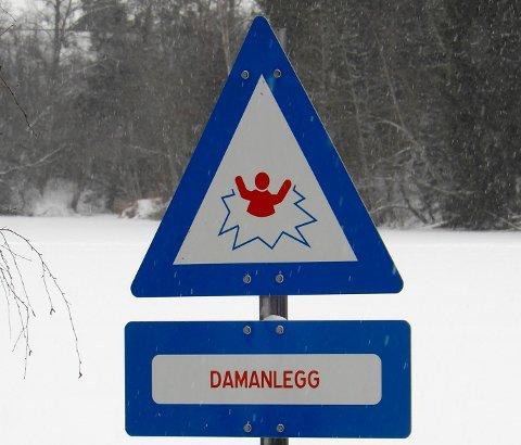 ADVARER: Akershus energi advarer mot livsfarlig isfiske ved kraftstasjonene i Glomma.