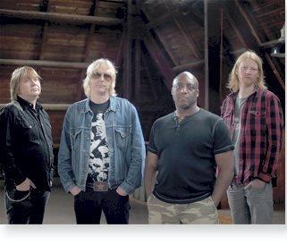 SPOONFUL: Bandet består av Jostein Forsberg, Morten Omlid, Eskil Aasland og Tony Caddle.