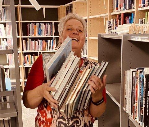 Gro Borger, førstelinjekonsulent i Indre Østfold kommune, åpner bibliotek og innbyggertorg på Skjønhaug onsdag.