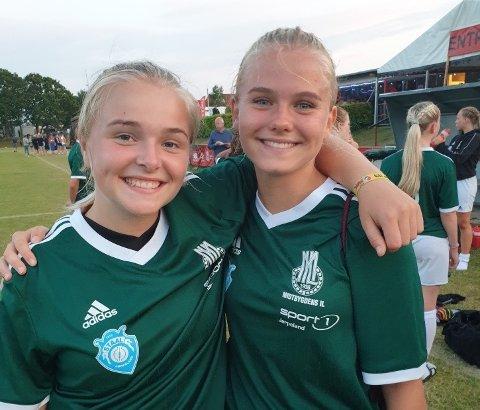 MILARAR PÅ STAAL: Tonje Strand og Mari Bokn er begge frå Tau og speler på Staal og MIL sitt samarbeidslag for jenter 17. Laget kom heilt til kvartfinalen i Dana Cup.