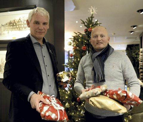 Gaver: John Olav Ferstad (til venstre) ved Quality Hotel Grand Kristiansund og Arne Roksvåg i Gode Verdier.