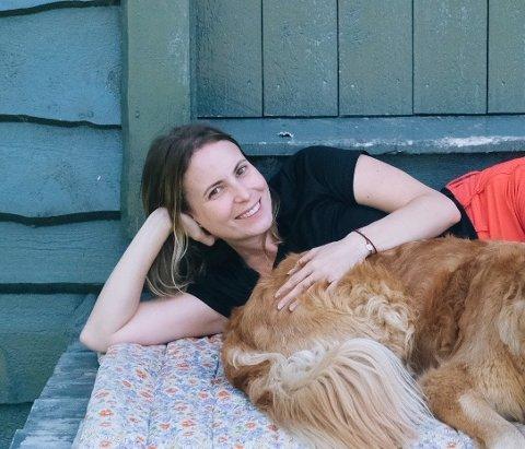 Simona (30) ferierer på Nesodden sammen med kjæresten sin som kommer herfra.