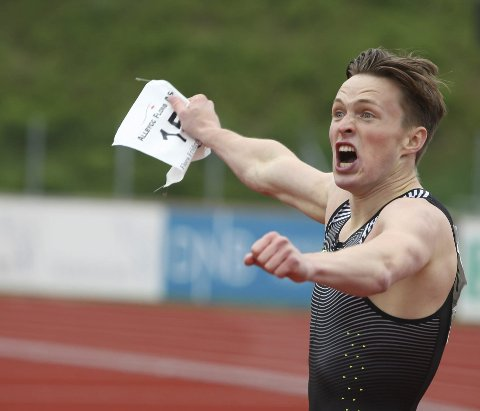 FANTASIREKORD: Karsten Warholm hoppa over 45-talet og senka den norske rekordet til 44.87 på 400 meter under festivalen i fjor.  Foto: Dag Frøyen