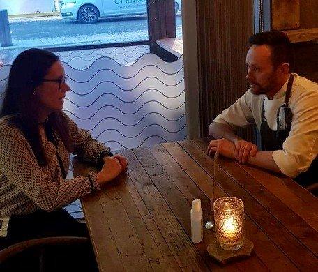 INNSPILL: Hammerfests ordfører i dialog med lokale arbeidsgivere før møtet med Statsforvalteren. Onsdag skal formannskapet se nærmere på tiltakene som preger kommunen.