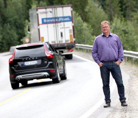 Muligheter: Bjørn Ivar Lamo ser turist- og næringslivsmuligheter i forbindelse med en ny E6 forbi Trofors.   Foto: Jon Steinar Linga