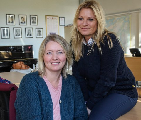 VIKTIG JOBB: Mona Helen Wangberg  Simonsen (t.h) og Synnøve Restad Marthinsen har en stor og viktig jobb foran seg.
