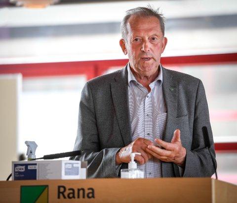 Johan Petter Røssvoll i Senterpartiet synes det er brukt nok penger på parker i sentrum av Mo i Rana.
