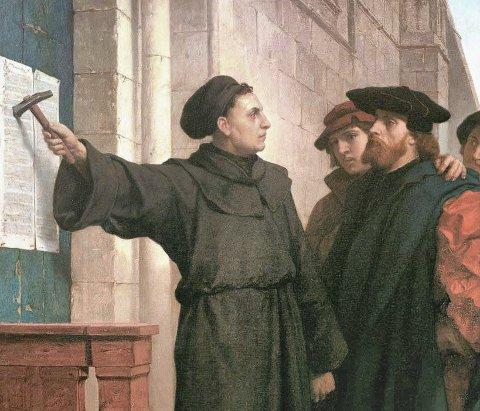 TESENE: Martin Luther er kjent for å ha satt opp 95 teser (læresetninger). Dette skulle få stor betydning for samfunnet og for kirken.