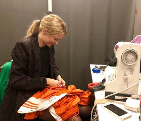 Tuva Prøis er kostymedesigner for årets utgave av Melodi Grand Prix. Her med et kostyme under fjorårets Stjernekamp.