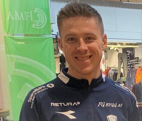 Fra fotball til motor: Simen Høglien (28) fortsetter å spille fotball, for osloklubben Ready, men starter i en fulltids stilling som konsulent i Norges Motorsportforbund onsdag 1. april.