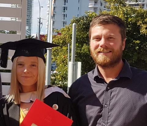Ida Rudsli Sundblads (27) skulle gjerne vært hos kjæresten sin i Australia. Derfor har hun sendt en forespørsel til Vestby kommune om å få stå i kø for ledig vaksinering.