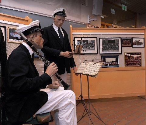 Fra utstillingen i Nystua, Tynset kulturhus. Tynset janitsjar sine første uniformer fra 1935.