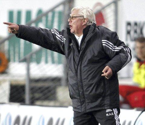 I kjent stil: Nils Arne Eggen under europacupkamp i 2010.Foto: Gorm Kallestad / Scanpix