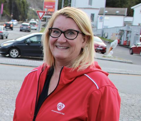 DELTAR FREDAG: Fylkesordfører-kandidat Gro Bråten (Ap) og Arne Thomassen (H) er to av de som kjemper om å bli fylkesordfører i det nye Agder-fylket.