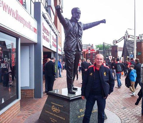 Nils Marton Aadland har trua på at i år skal Liverpool vinna serien.