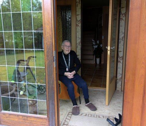 GULL VERDT: For Anders Myklebust var det gull verdt å hjelp med hagearbeidet under Godleiksdagen.