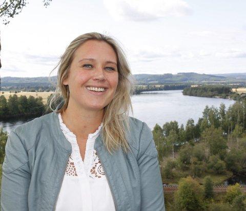 Utfordrer: Annika Jönsson Haarr tok fatt som leder i Flisa grenderåd i mai. Nå utfordrer hun flere til å søke fra potten med tiltakspenger på 200.000 kroner. foto: Britt-Ellen Negård