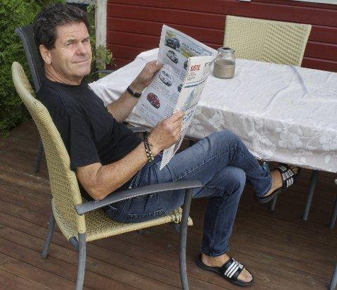 FAMILIEMANN: Morten Paulsen er en familiemann som tilbringer mye tid sammen med kone, barn, barnebarn og hunden Frode. Han setter også pris på å være en del av HA-familien. – Jeg er opptatt av journalistikk, sier han.Foto: Terje Vidar Høvik