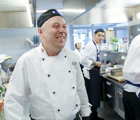 – HAR GÅTT NOEN RUNDER: Etter å ha utdannet ungdommer ved restaurant- og matfag ved Karmsund videregående skole i 21 år, er Audun Moksheim nå klar til å ta på seg en ny rolle.