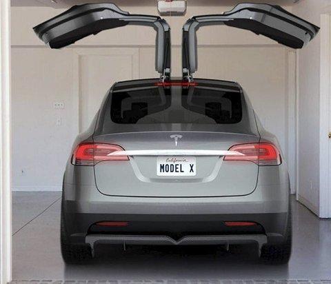 MUSKEL-BIL MEST SOLGT: Holmestrandingene har falt pladask for Tesla Model X. foto: tesla