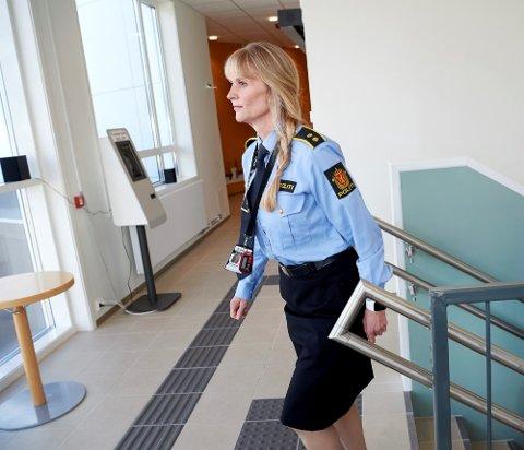 HAR OPPRETTET SAK: Etterforskningsleder Line Marthe Fuglum Juliussen forteller at politiet har opprettet sak etter at en ulykke, der det oppsto personskade.