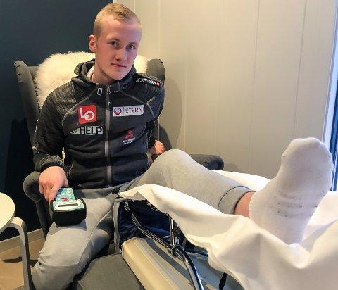 OL RYKER: Thomas Aasen Markeng må gjennom en ny lang periode med krykker og opptrening.