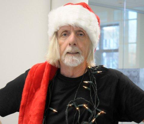 God (?) jul: Tor Arne Johnsen tar ansvar for lyssterk førjulspynt God (?) jul: Tor Arne Johnsen tar ansvar for lyssterk førjulspynt og betimelig opplysning.