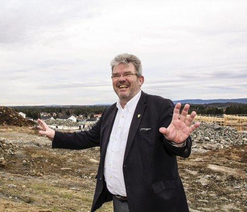 FORTSETTER: Hans Thue (Ap) fortsetter som ordfører i Nannestad kommune.