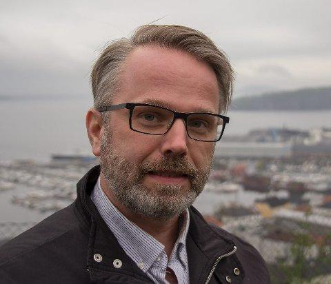 Mulige midler: Henning Nilssen (V) påpeker at Sande og Holmestrand går glipp av millioner i statlig støtte til gang- og sykkelvei ved å ikke være en del av trepartsavtalen med fylkeskommunen og Statens vegvesen. Pressefoto