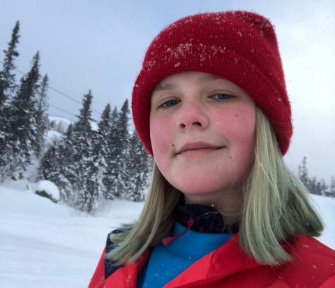 """NOMINERT: Kulturskoleeleven Lise Murphy Sandvik (12) har nå muligheten til å bli en av tidenes yngste prisvinnende filmskapere. Hun er nominert til den høythengende Amandusprisen for kortfilmen """"PANDEMIEN""""."""